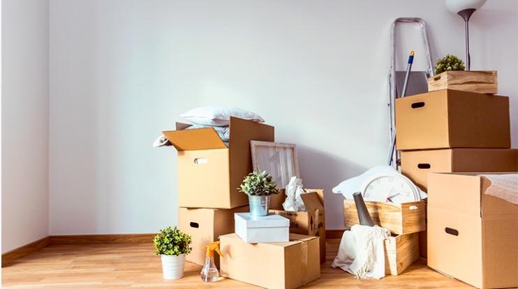 Als je op het punt staat om te verhuizen, voel je de stress misschien al opborrelen. Hoe pak je het zo efficiënt mogelijk aan?